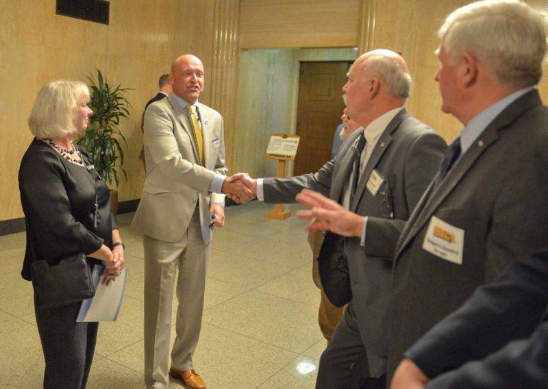Rep. Greg Smith meets with Oregon co-op leaders
